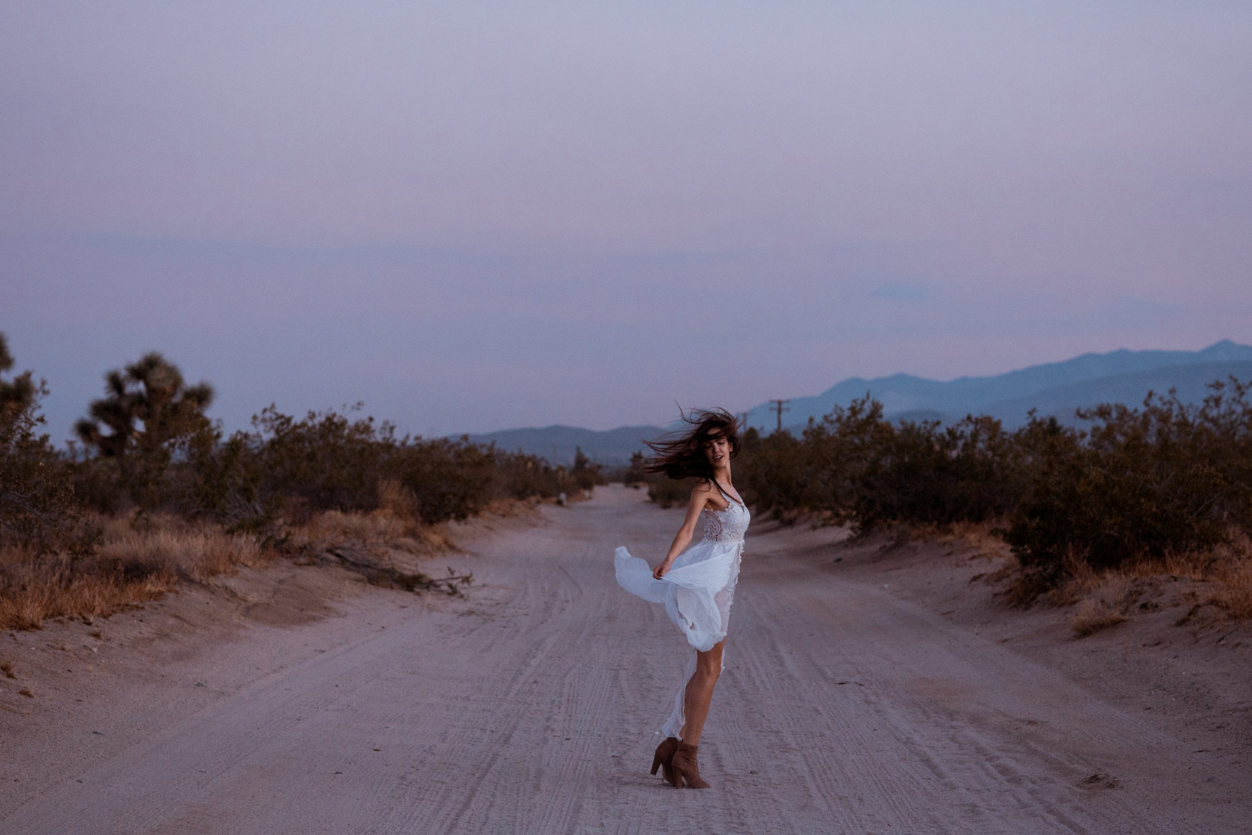 bridal-shoot-california-desert-sunset
