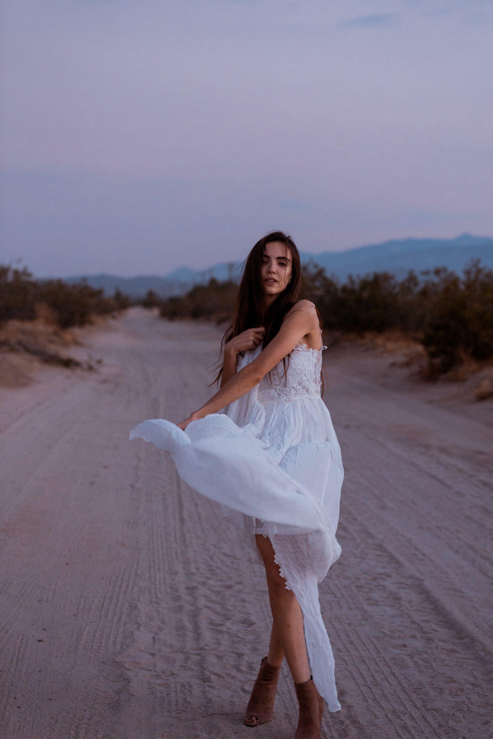 bridal-shoot-california-desert-sunset